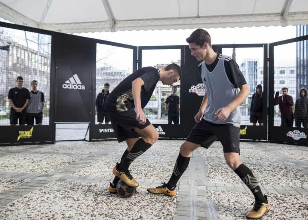 Το νέο, θεαματικό ποδοσφαιρικό παιχνίδι 2vs2, σε ένα γήπεδο διαφορετικό από τα συνηθισμένα, ξεκινά σε Αθήνα, Θεσσαλονίκη, Πάτρα και Βόλο!